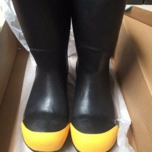 Men's Size 4 Bogs Boots Steel Tow Yellow